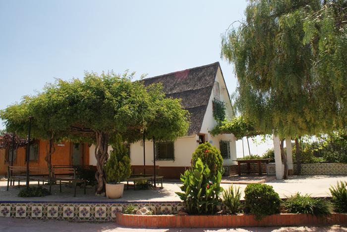 Edificio Recepción del Centro tratamiento alcoholismo, drogas y adicciones Llaurant La Llum